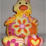 "DAISY DUCK SIZE: 11"" X 11"" MESH: 13 & 18 *STITCH GUIDE INCLUDED"