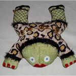 "FOXY FROG SIZE: 10.5"" X 10.5"" MESH: 18 *STITCH GUIDE INCLUDED"